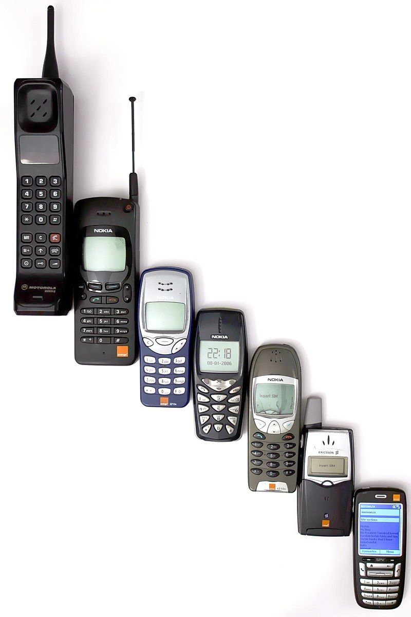 800px-mobile-phone-evolution-ka82hj7l