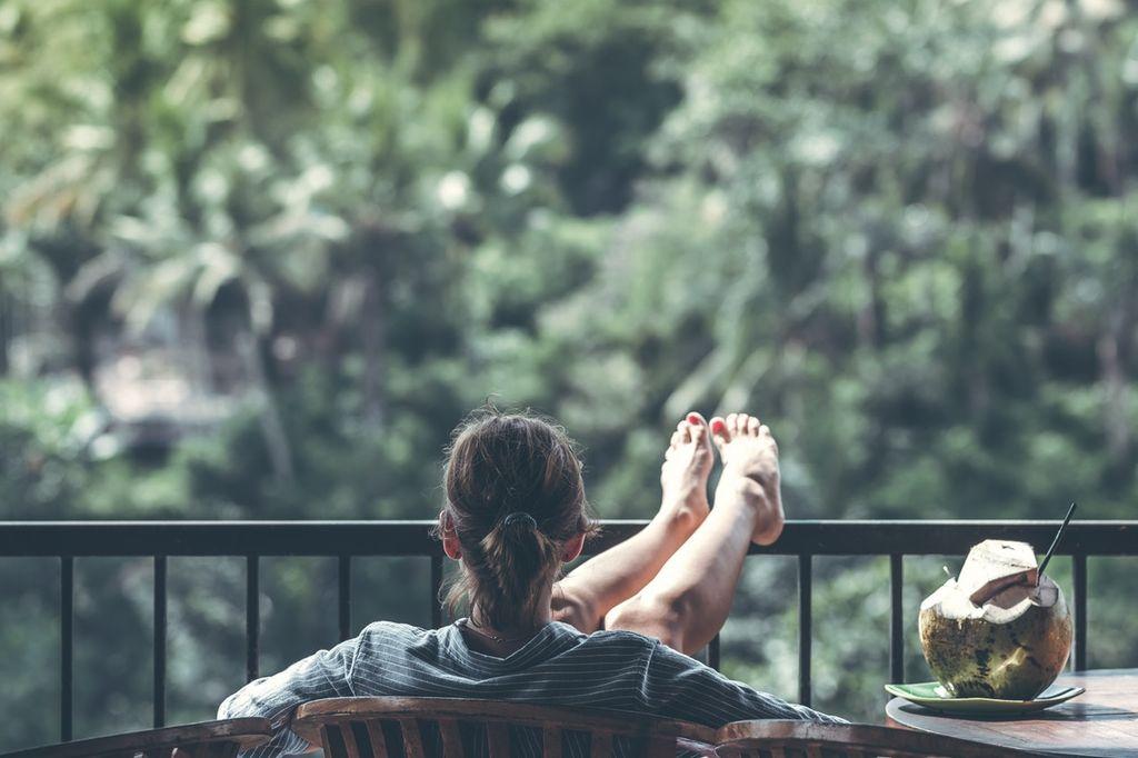 adult-balcony-beverage-1230665-k1ux7c1p