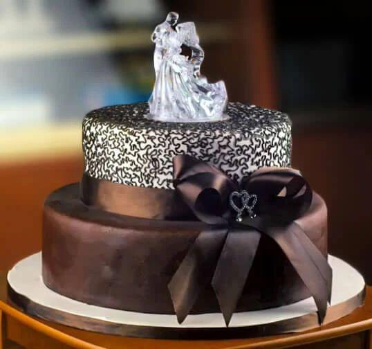 chocolate-wedding-cake-k4y0zau5
