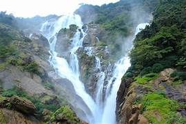 dudh-sagar-water-fall-k8femxik