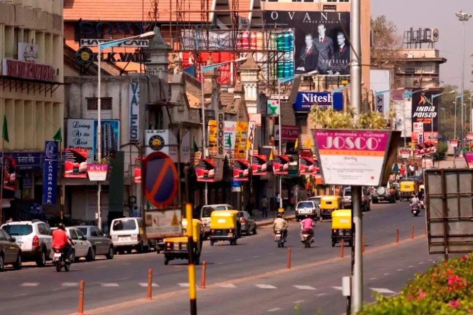m-g-road-bangalore-k3b5kj5n
