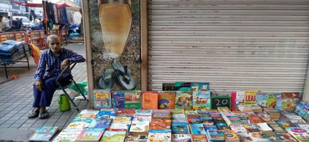 sunday-book-market-k3a7o424