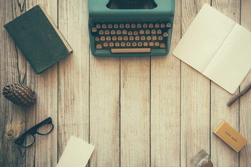 typewriter-801921-1920-kbgevyxh