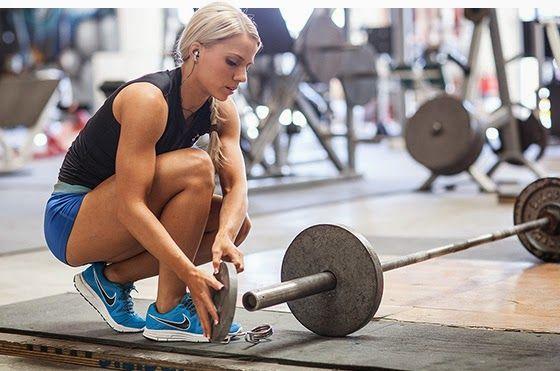women-and-weight-training-k23f1519